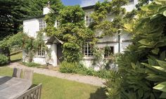 Welcome to Gara Garthe in Troutbeck. Book your holiday in the Lakes online with Lakelovers today.