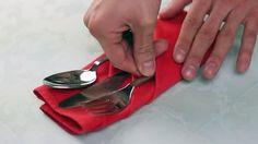 Voici comment plier une serviette de table en tissu de façon simple, unique et tellement élégante, pour y mettre des ustensils.