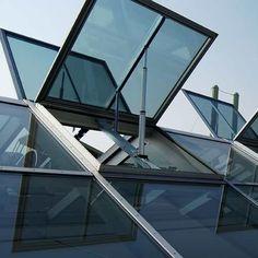 Techo con vidrios                                                                                                                                                     Más