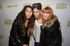 French Beliebers Kissing Justin Bieber