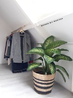 Hallway Ideas Small - New ideas Wardrobe Room, Diy Wardrobe, Home Bedroom, Bedroom Decor, Loft Storage, Polaroid Wall, Deco Addict, Small Hallways, Loft Room