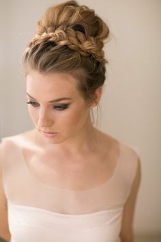 Chignon bun hairstyles are experiencing a major comeback this season. Catch some inspo in our gallery – we have many ideas how to rock a chignon. Wedding Hairstyles For Medium Hair, Braided Bun Hairstyles, Up Hairstyles, Formal Hairstyles, Braided Updo, Elegant Hairstyles, Beautiful Hairstyles, Braid Updo Styles, Hairstyles For Brides
