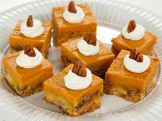 These pumpkin bars taste like pumpkin pie with a sweeter, slightly crunchy crust. They're slightly rich, so they're Pumpkin Spice Bread, Pumpkin Spice Cookies, Easy Pumpkin Pie, Pumpkin Chocolate Chip Cookies, Pumpkin Bars, Canned Pumpkin, Pumpkin Dessert, Pumpkin Spice Latte, Pumpkin Recipes