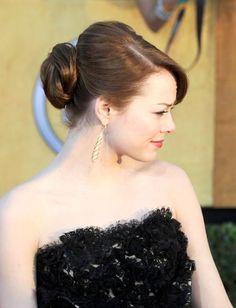 Emma Stone: Inspire-se nos penteados simples e delicados da atriz