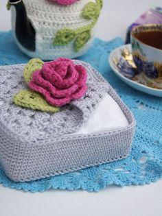 Beautiful Crochet Ideas & Latest Pattern To Create Easily Crochet Towel, Crochet Diy, Crochet Potholders, Love Crochet, Crochet Gifts, Crochet Motif, Crochet Flowers, Beautiful Crochet, Crochet Basket Pattern