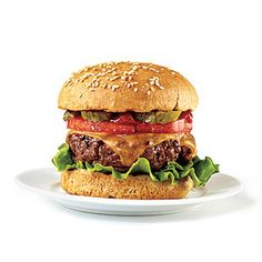 A quarter pound of lean ground sirloin and a hearty whole-grain bun start you out at 250 calories. This site offers several unique and low-cal burger topping ideas. Burger Toppings, Cheese Burger, Hamburger Recipes, Beef Recipes, Healthy Recipes, Healthy Food, Skinny Recipes, Healthy Tips, Healthy Meals