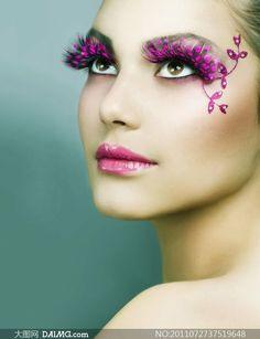 Omg I wish I had some makeup so I could............I meannnnn+