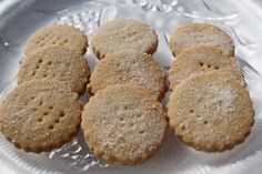 What's Cookin' Italian Style Cuisine: Trefoils or Shortbread ( a famous knockoff cookie)