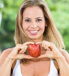 Como fazer produtos de limpeza em casa - Blog da Mimis Super Dieta, Fruit Recipes, Healthy Recipes, Healthy Food, Detox, Jean Crafts, Light Diet, Smoothies, Greek Yogurt