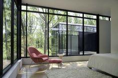 Eero Saarinen's Womb Chair / Model No 70 | Sheila Zeller Interiors