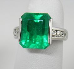 Colombian Emerald Diamond Ring 18K/ SOLD http://www.emeraldsmaravellous.com/ http://amzn.to/2tpDPX4