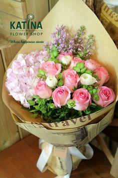 【摩羯座·冬日恋歌】依旧延续设计摩羯座花束的初衷:浪漫的粉色系,加入紫色丁香,是摩羯的守护花,花语是美丽、光辉。温柔入心的花束,愿冬日生日的你被幸福真正地温暖着!