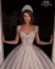 A Veil, A Tail & Absolutely A Wonderful Fairy Tale& 😍 Double tap & TAG who you think would like this & . Dress by Source The post A Veil, A Tail & Absolutely A Wonderful Fairy Tale& Double tap & TAG who you appeared first on Tikkhi. Wedding Dress Gallery, Black Wedding Dresses, Princess Wedding Dresses, Boho Wedding Dress, Bridal Dresses, Bridesmaid Dresses, Wedding Lace, Bling Wedding, Casual Wedding