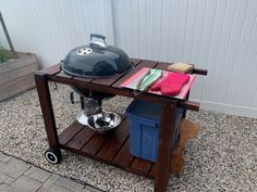 Simple bbq cart for the Weber kettle. Weber Kettle, Kitchen Cart, Unique Furniture, Bbq, Simple, Design, Home Decor, Barbecue, Decoration Home