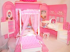 1998 Mattel's Barbie Pink Bed & Bath Fold & Carry w/ All Original Accessories #Mattel