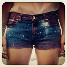 Purple Galaxy Shorts (not my thang but looks super cute on her) Diy Shorts, Cute Shorts, Short Shorts, Modest Shorts, Short Jeans, Visual Kei, Teen Fashion, Fashion Outfits, Womens Fashion