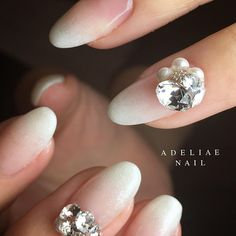 Adeliae Nail アデリーネイルで撮影されたInstagram写真と動画です Gorgeous Nails, Love Nails, My Nails, Bride Nails, Wedding Nails, Acrylic Nail Designs, Nail Art Designs, Short Almond Nails, Blush Nails