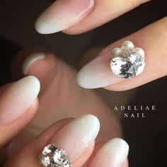 Adeliae Nail アデリーネイルで撮影されたInstagram写真と動画です Gorgeous Nails, Love Nails, My Nails, Bride Nails, Wedding Nails, Acrylic Nail Designs, Nail Art Designs, Short Almond Nails, Exotic Nails