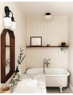 Are you looking for the ultimate in bathroom decor design? These ideas are the perfect way for you to get the most out of your bathroom design. Without the right home accessories and decor, your bathroom… Continue Reading → Home Interior, Interior Design, Home And Deco, Beautiful Bathrooms, Unusual Bathrooms, Small Bathroom, Bathroom Ideas, Bathroom Vintage, Bathroom Designs