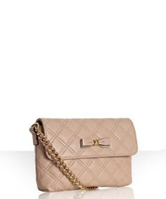 love this purse! it even has a bow!! <3