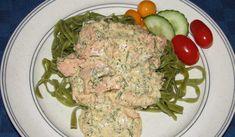 God vardagsrätt. Såsen serveras med pasta och färska grönsaker.