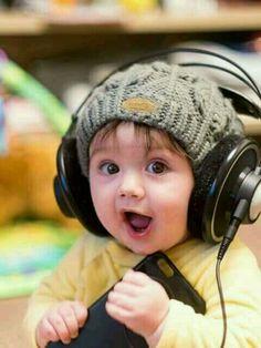Cute baby boy like me. So Cute Baby, Cute Kids Pics, Cute Baby Girl Pictures, Baby Boy Photos, Baby Images, Baby Kind, Cute Babies Pics, Cute Babies Photography, Cute Baby Wallpaper