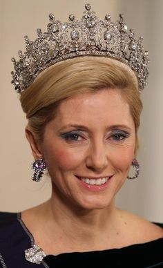 Crown Princess Marie-Chantal of Greece wearing Queen Sophie's Diamond Tiara at Queen Margrethe's Ruby Jubilee Gala in January 2012 Crown Royal, Royal Crowns, Royal Tiaras, Tiaras And Crowns, Marie Chantal Of Greece, Greek Royalty, Greek Royal Family, Diamond Tiara, Royal Jewelry