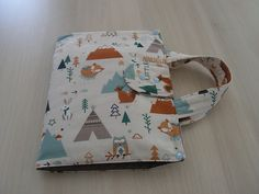 Des sacs artiste pour enfants Sewing Tutorials, Sewing Projects, Creative, Pattern, Kids, Oui, Kirigami, Purses, Creative Crafts
