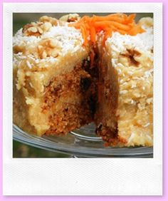 RAW VEGAN AND PALEO CARROT CAKE. This looks divine.