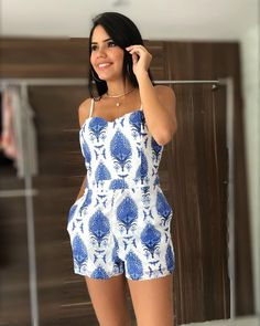 macaquinho perfeito !!! Tumblr Girls, Playsuits, Jumpsuit, Outfits, Casual, Jumpers, Clothes, Beautiful, Crafting