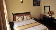 Than Thien - Friendly Hotel Hue Located in Hue's city centre, Than Thien Hotel offers rooms with free Wi-Fi and a flat-screen TV. It is within walking distance of Truong Tien Bridge and Huong River Port.