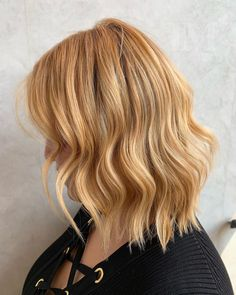 Bobs are super trendy right now and look stunning on anyone. Bobs are great because they can be in a range of colors and lengths, catering to anyone's... Lob Haircut, Short Hairstyles For Women, Looking Stunning, Fashion Forward, Short Hair Styles, Bob Cuts, Hair Cuts, Bobs, Catering