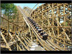 Joris en de Draak - a duelling wooden rollercoaster by American coaster builders GCI. Opened in 2011.