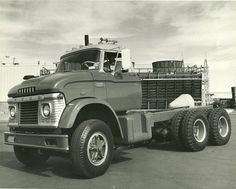 Ford N-series tandem chassis cab