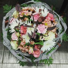 Flowers bucket.