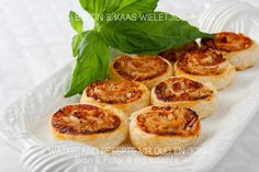 Basil and Turkey Scrolls: A easy and delicious way to use leftover turkey created by Kim McCosker of 4 Ingredients Pasta Recipes, Bread Recipes, Milk Bread Recipe, Coffee Cookies, Leftover Turkey, Savory Snacks, Cookie Desserts, 4 Ingredients, Basil
