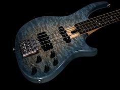 Bruno Traverso Guitars: Slender bass