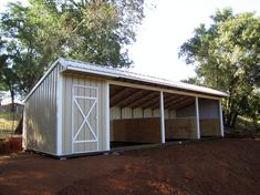 Picture Gallery of Shedrows Loafing Sheds and Run Ins Barn Stalls, Horse Stalls, Horse Barns, Horses, Horse Shed, Horse Barn Plans, Horse Horse, Gypsy Horse, Loafing Shed