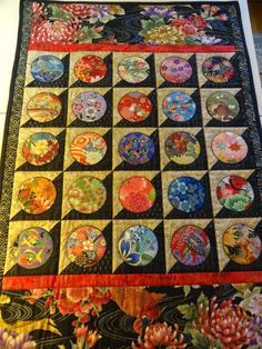 December Making gifts and making circles Circle Quilt Patterns, Japanese Quilt Patterns, Circle Quilts, Quilt Patterns Free, Japanese Fabric, Asian Quilts, Modern Quilting Designs, Orange Quilt, Bright Quilts