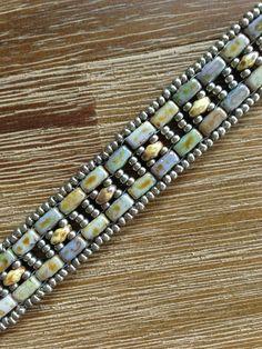 Armband gemaakt van Czechmates Bricks en Superduo's, patroon van Deborah Roberti, band 1 Czechmates and Brick and Superduo Version van patroon Tila Twin Bands. Made by JoMy Creations.