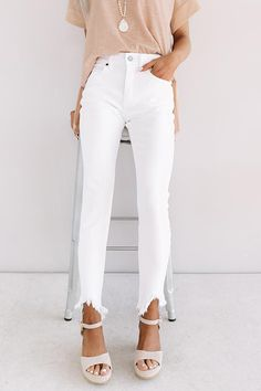 The Joanna High Waist Ankle Skinny White Jeans Outfit Summer, Flare Jeans Outfit, White Pants Outfit, Summer Pants Outfits, Jean Outfits, Casual Outfits, Summer Jeans, Fashion Outfits, Summer Clothes