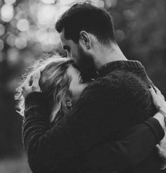 23 Creative and Romantic Couple Photo Ideas - - 23 Creative and Romantic Couple Photo Ideas Photography 23 kreative und romantische Fotoideen für Paare Romantic Couples Photography, Romantic Photos, Couple Photography Poses, Autumn Photography, Love Photos, Photography Ideas, Friend Photography, Wedding Photography, Photography Classes