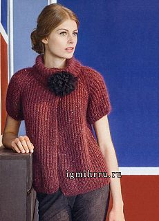The elegant lines of the full-fashioned raglan armholes, the high stand-up collar and the shine of the mini sequins make this jacket a dream - and on top of that, it knits up so quickly! Knitting Patterns Free, Knit Patterns, Free Pattern, Cardigans For Women, Jackets For Women, Women's Jackets, Knit Cardigan Pattern, Knit Fashion, Knitwear