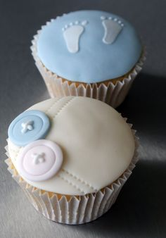Babyshower cupcakes, or a neat way to announce to staff who has arrived... :)