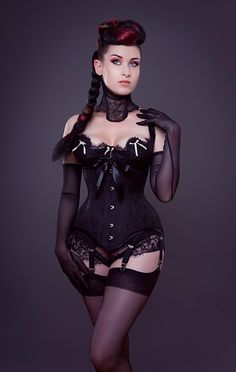 'MF1313 Edwardian Hourglass' by Morgana Femme Couture | Waist training | 190.00£