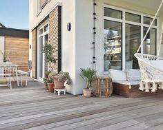 Our terrace in autumn light🍁 - Haus Planung - Modern Backyard, Modern Driveway, Landscaping Inspiration, Apartment Garden, Modern Garden, Garden Seating, Garden Architecture, Modern Landscaping, Backyard Plan