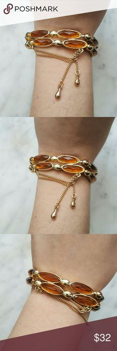 Beautiful Bracelet Gorgeous. Stretches to fit your wrist! So fashionable Jewelry Bracelets