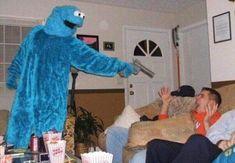 Sesame Street memes are always good! Memes Estúpidos, Stupid Funny Memes, Haha Funny, Hilarious, Fun Funny, Quality Memes, Cursed Images, Coincidences, Mood Pics