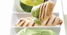 Συνταγή για φιλέτα κοτόπουλου ή γαλοπούλας με πουρέ αβοκάντο. Avocado, Dip Recipes, Creme, Dips, Cabbage, Tacos, Turkey, Mexican, Chicken