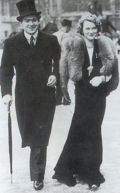 Lord and Lady Dufferin of Ava - 1938 - Walking to the State Opening of Parliament in London - Decades of Fashion - @~ Mlle
